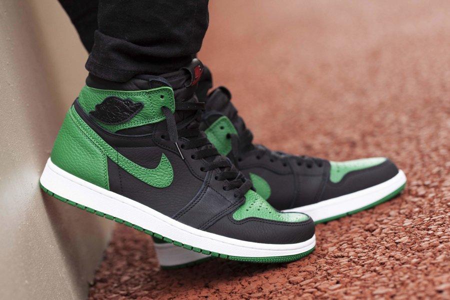 Air Jordan 1 Retro High OG Pine Green 2.0 On Feet
