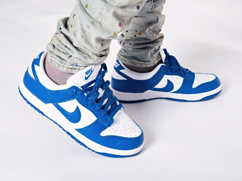 Nike Dunk Low Kentucky White Royal On Feet
