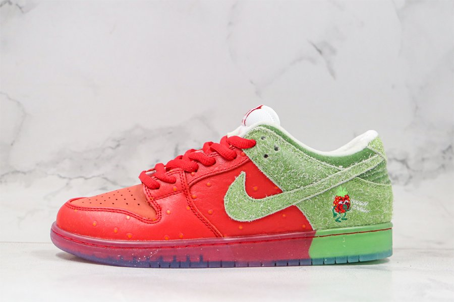 Nike SB Dunk Low Strawberry Cough