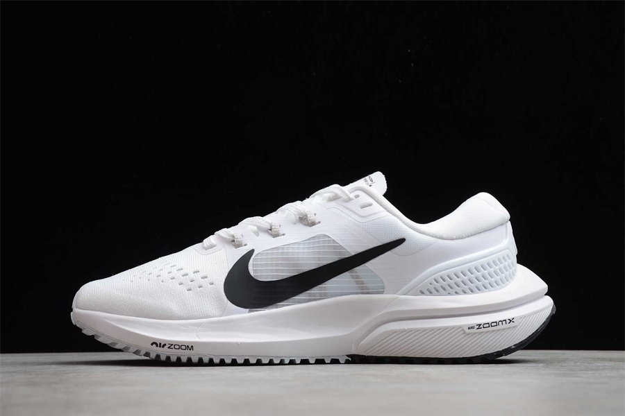 Nike Air Zoom Vomero 15 White Black Running Shoes Pas Cher